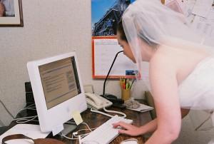 Bride opening internet