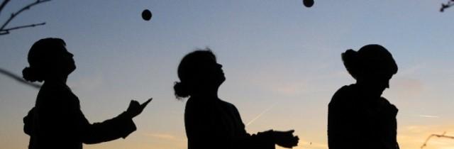 Juggling silhouette